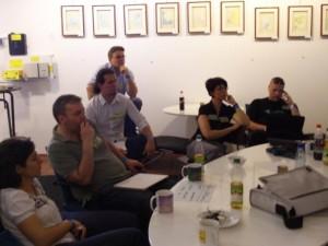 In Gruppen wurde das Buzz-Rider-Zeitungsprojekt diskutiert - im Plenum die Ergebnisse zusammengetragen