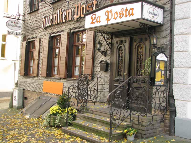 """Ganz ursprünglich hat Inhaber und Koch Frank Schulz die """"Alte Post"""" gelassen - man fühlt sich schon beim Eintritt in eine andere Zeit versetzt..."""