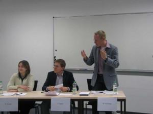 Vom Debattierklub Dortmund - Debado - traten an: Sonja Kronz, Jörn Hahn und Martin Krümpel. Sie verteidigten die Einführung der Studiengebühren