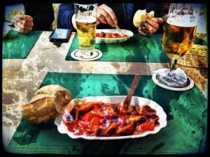 Currywurst bei Besichtigung der Fiege-Brauerei in Pop-Version mit pixlromatic