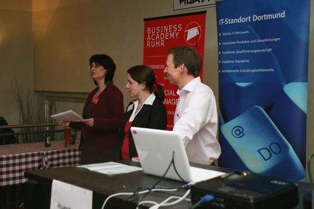 Web 2.0 Konferenz zu Facebook: BARsession am 10.12.2012- Ein Hoch auf Obermutten!