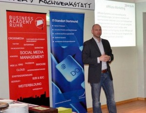 B. Wichert erläuterte, wie man Affiliate Marketing auch in Social Networks einsetzen kann
