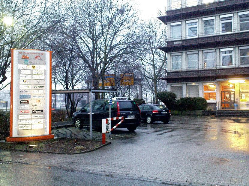 b ro mieten in dortmund 30 qm ab oktober 2013 f r 290 euro warm inklusive parkplatz. Black Bedroom Furniture Sets. Home Design Ideas