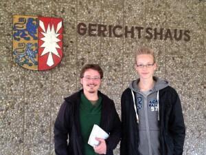 Peer Hellerling von den Lübecker Nachrichten - und sein Praktikant