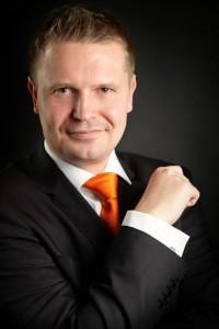 Sebastian Voss ist Senior Berater bei der Social Media Agentur synergie-effekt.net und Mitgründer der Personalvermittlung social media karriere