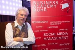 Prof. Dr. Beck, Crowdinvesting-Experte und Buchautor, auf der BarSession