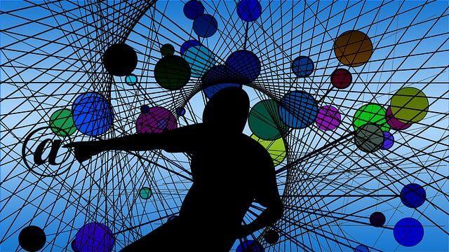 """Experten-Studie zu """"Internet im Jahr 2025"""" – Freiheit oder die totale Kontrolle?"""