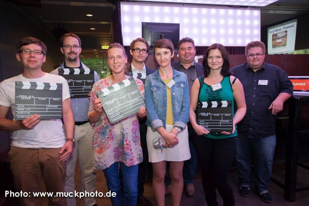 5 glückliche Gewinner und ihre Kinoklappen - mit je 2 Kinotickets!