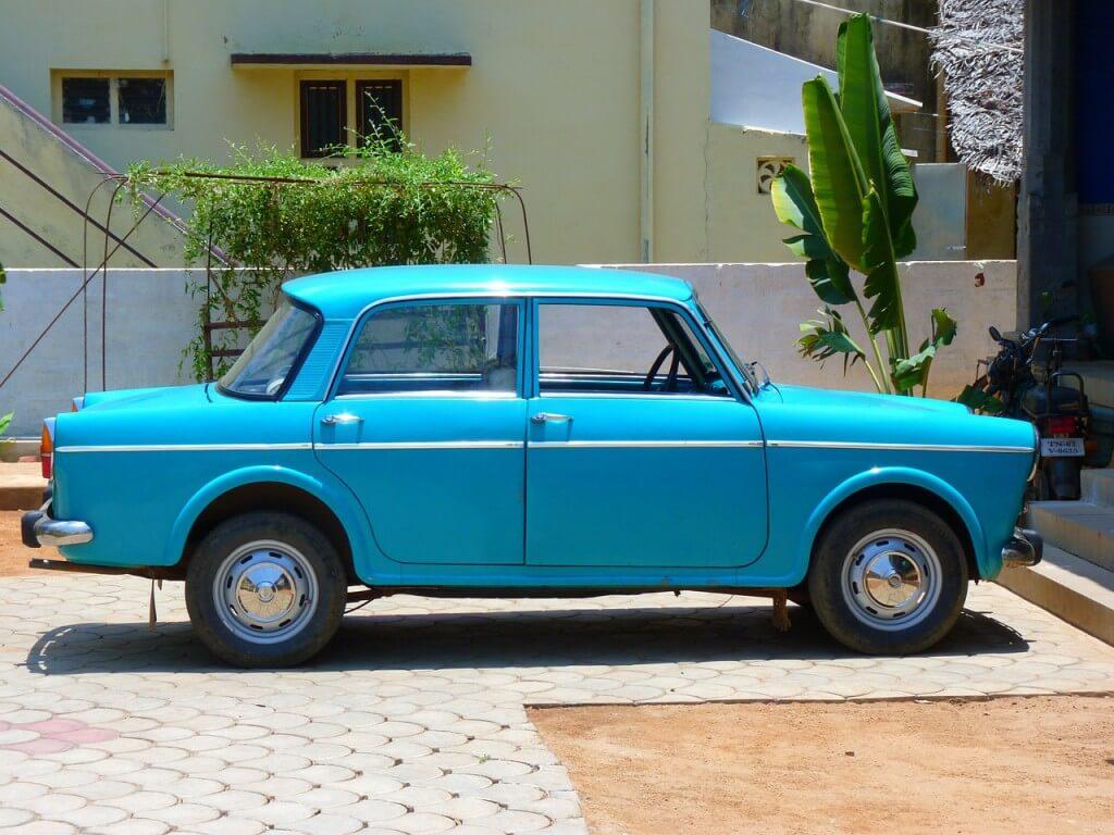 Da möchte man doch gern mal mitfahren - aber nur gegen Benzingeld - Quelle: pixabay/ LoggaWiggler