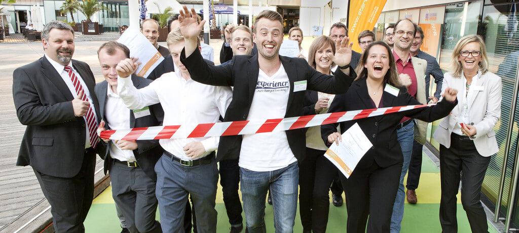 Gründungswettbewerb start2grow 2015 Phase 2, Jurierung und Preisverleihung, Top 10-Teams, 25.06.2015, Westfälischer Industrieklub Dortmund, Zieleinlauf Gewinner-Teams