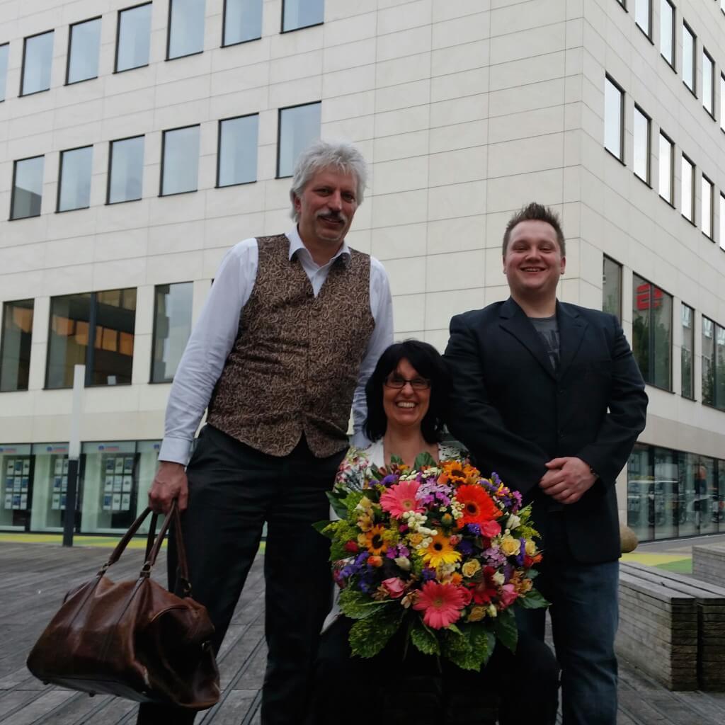 Auf Anhieb bei Start2Grow unter den 20 besten Businessplänen: von links Prof. Dr. Ralf Beck, Eva Ihnenfeldt und Sebastian Driefmeier
