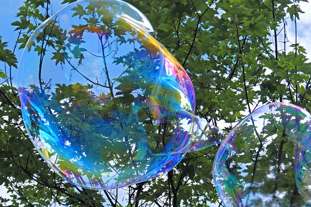 soap-bubble-1388505_640