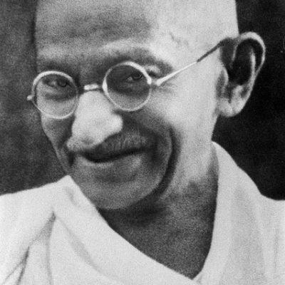 https://pixabay.com/de/pazifist-mahatma-gandhi-71445/