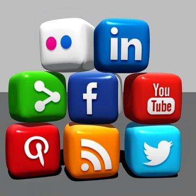 https://pixabay.com/de/social-media-bl%C3%B6cke-blogger-488886/