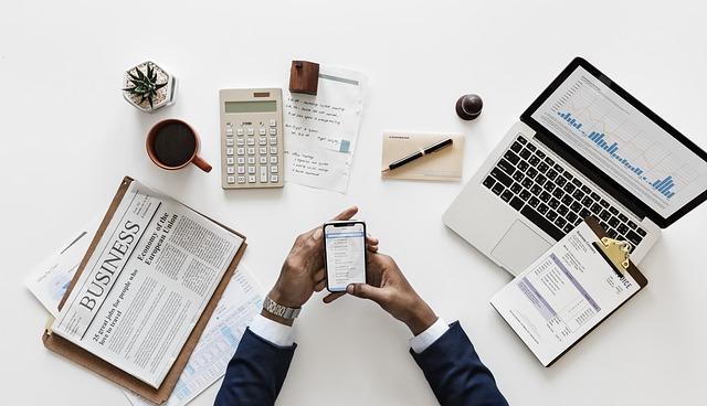 Smartphones am Arbeitsplatz: Was ist erlaubt und was nicht?