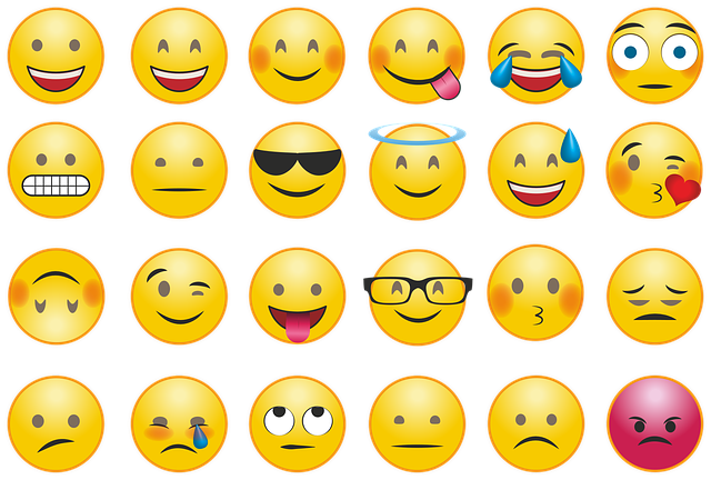 https://pixabay.com/de/emoji-smilie-whatsapp-emotion-2762568/