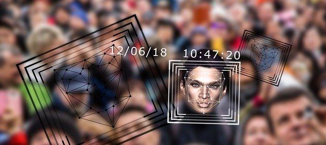 ClearView App: Suchmaschine für Gesichtserkennung in der Kritik