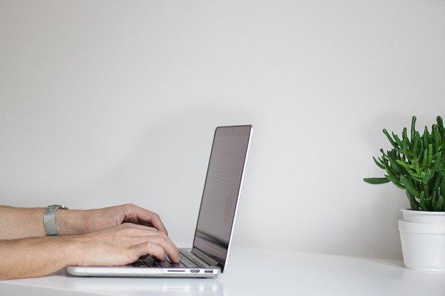 Sind Sprüche und Wandtattoos für Büro und Arbeitsplatz positiv?