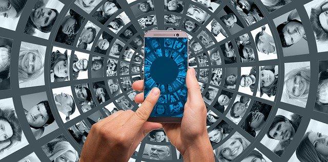 In diesen Zeiten zeigt Social Media seine Kraft: Trost, Menschlichkeit und viele Informationen!